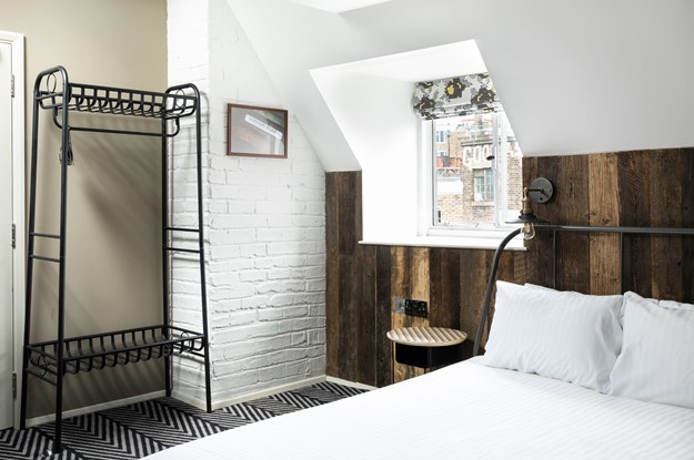 Double bedroom at Rose & Crown